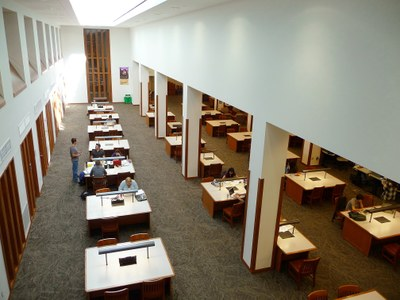 Foster Business Library study tables