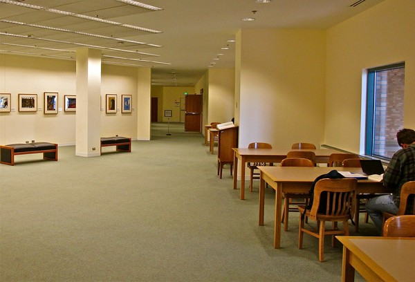 Allen Library 4th Floor Gallery Study Area B